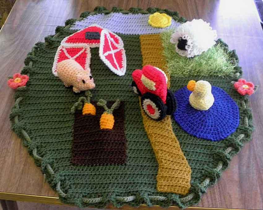 Farmland Play N Go Play Set